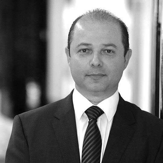 """עו""""ד אמיר בן-ארצי, שותף"""
